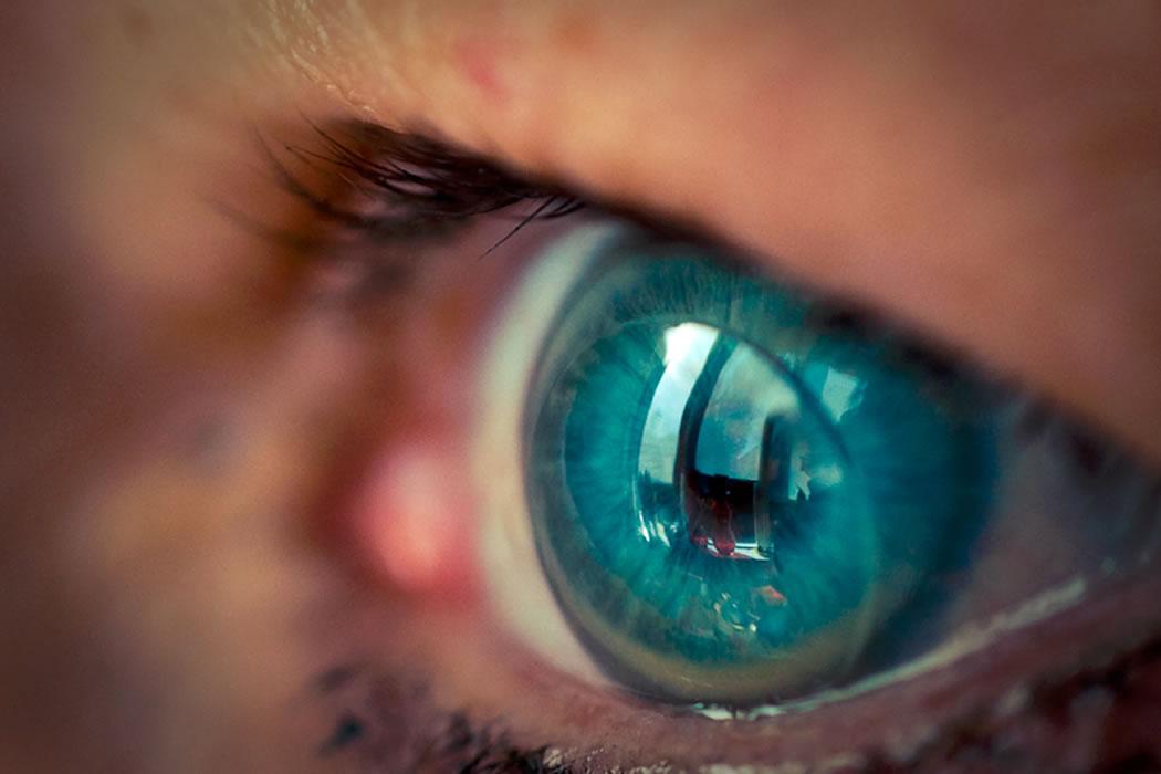 contact-lenses-blue-eyes-lens-2