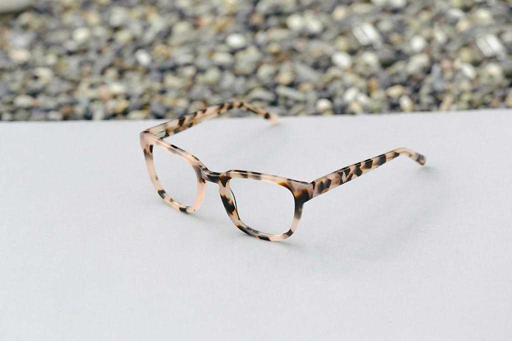 d-frame glasses